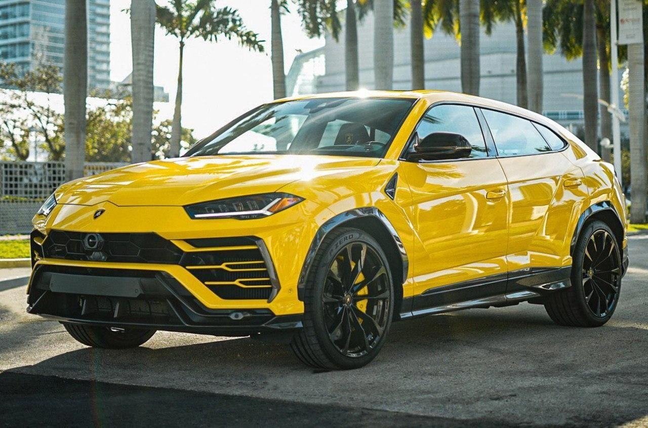 Urus sun summer yellow luxurycars in