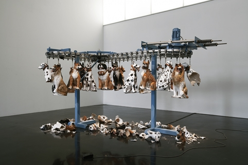 Joana Vasconcelos, Passerelle, 2005, Metalized chrome iron, faience dogs, engine, mains power control and protection painel, footswitch and PVC, 180 x 200 x 300 cm