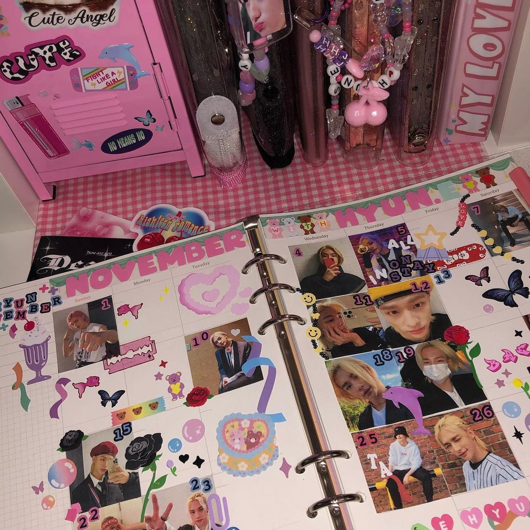 @cafehyun.e on ig in 2021   Bullet journal cover ideas ...