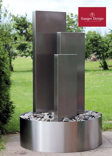 Pin von Martie Du Preez auf Riette garden | Brunnen garten ...