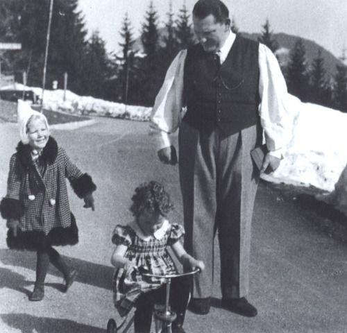 Hermann Göring and his daughter Edda