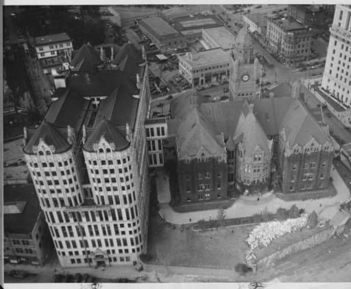 Birdseye View Of The Old County Courthouse And The Hall Of Records Facing West From The Tower Of City Hal Los Angeles History Los Angeles Downtown Los Angeles