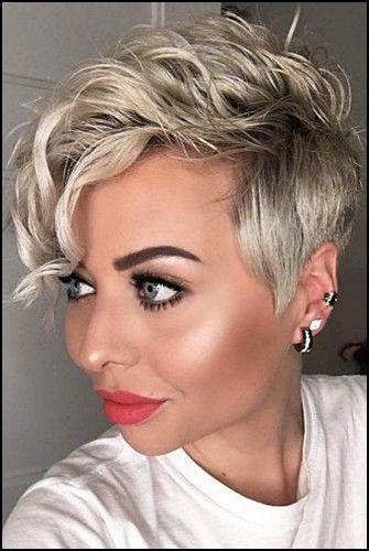 7 Fabelhaft Asymmetrische Kurze Frisuren Fur Frauen Trend Bob Frisuren 2019 In 2020 Pixie Haarschnitt Lockige Pixie Frisuren Haarschnitt