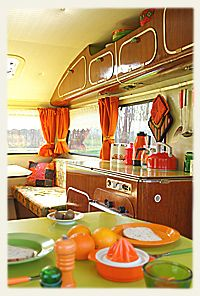 Kampeer in retro sfeer te deventer oldtimer caravan te for Interieur 70 jaren