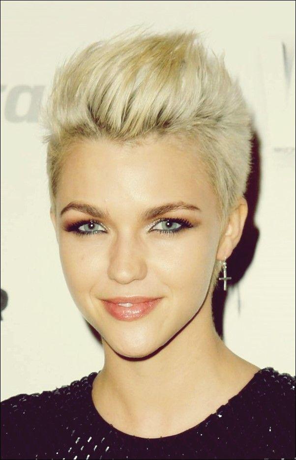 32 Exquisite Kurze Blonde Frisuren Für Frauen Kurze