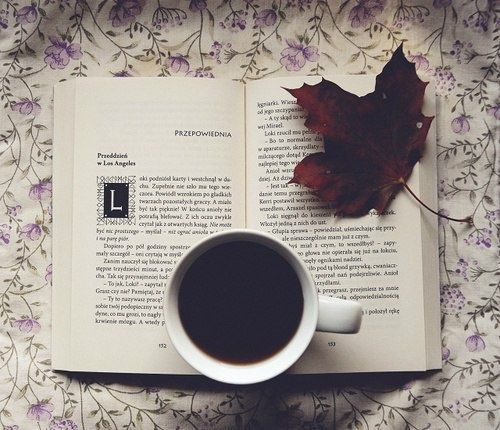 Resultado de imagen de books and coffee tumblr