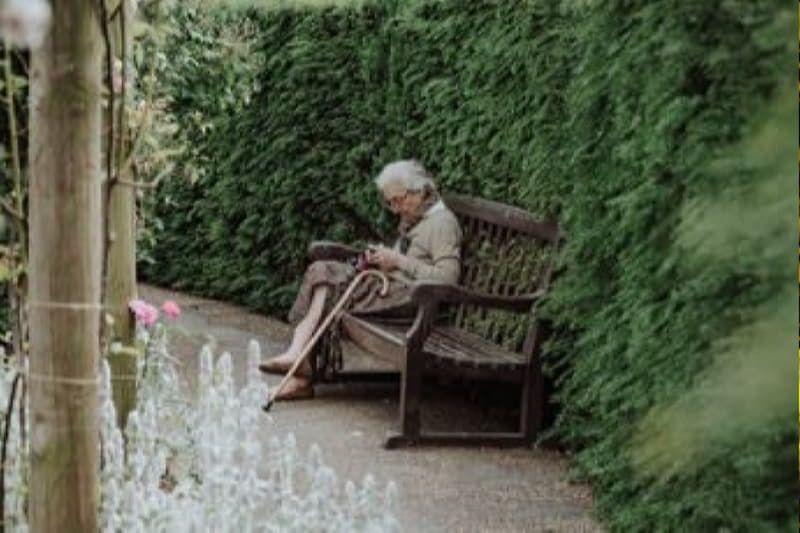 5 простых правил счастья от 92-летней женщины | Женщина, Счастье, Сознание