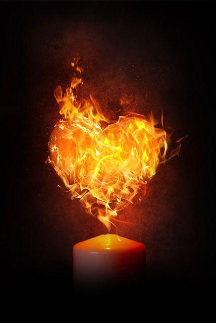 Kostenloses Bild auf Pixabay - Herz, Feuer, Flamme, Kerze