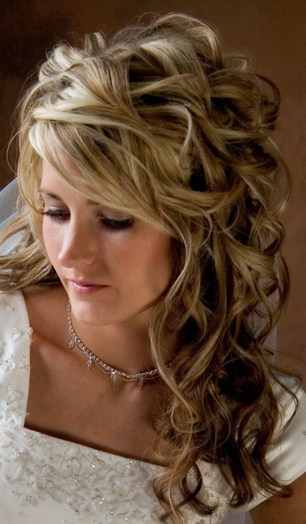 Bridal Hairstyle Design2 200x300 Bridal Hairstyle Design Wedding And Curly Hairsty Short Hair Styles 2014 Curly Wedding Hair Wedding Hairstyles For Long Hair