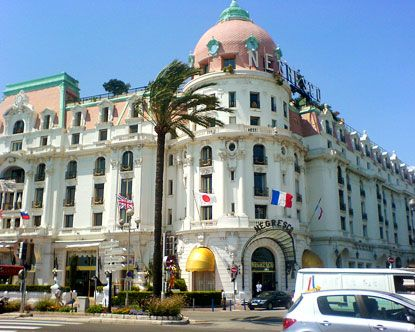 Hotel Negresco 1912 This Is One Of The Oldest And Most Revered Historic Hotels In France It Edges Baie Des Anges Bay Angels Nice