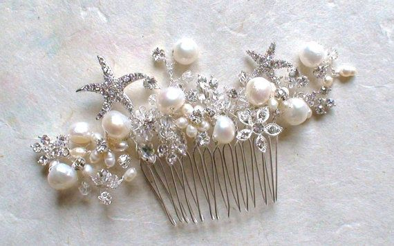 Starfish comb with pearls