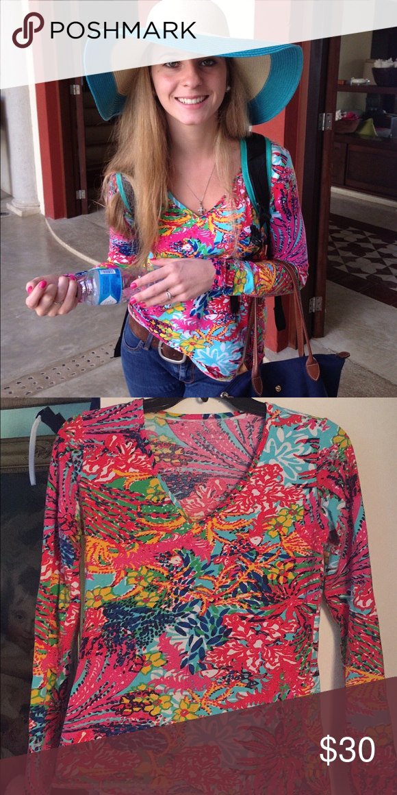 Lilly Pulitzer Long Sleeve Top Super cute Lilly Pulitzer long sleeve top is in great condition and still has a lot of wear left in it!! Super soft, WILL CONSIDER ALL OFFERS! Lilly Pulitzer Tops Tees - Long Sleeve