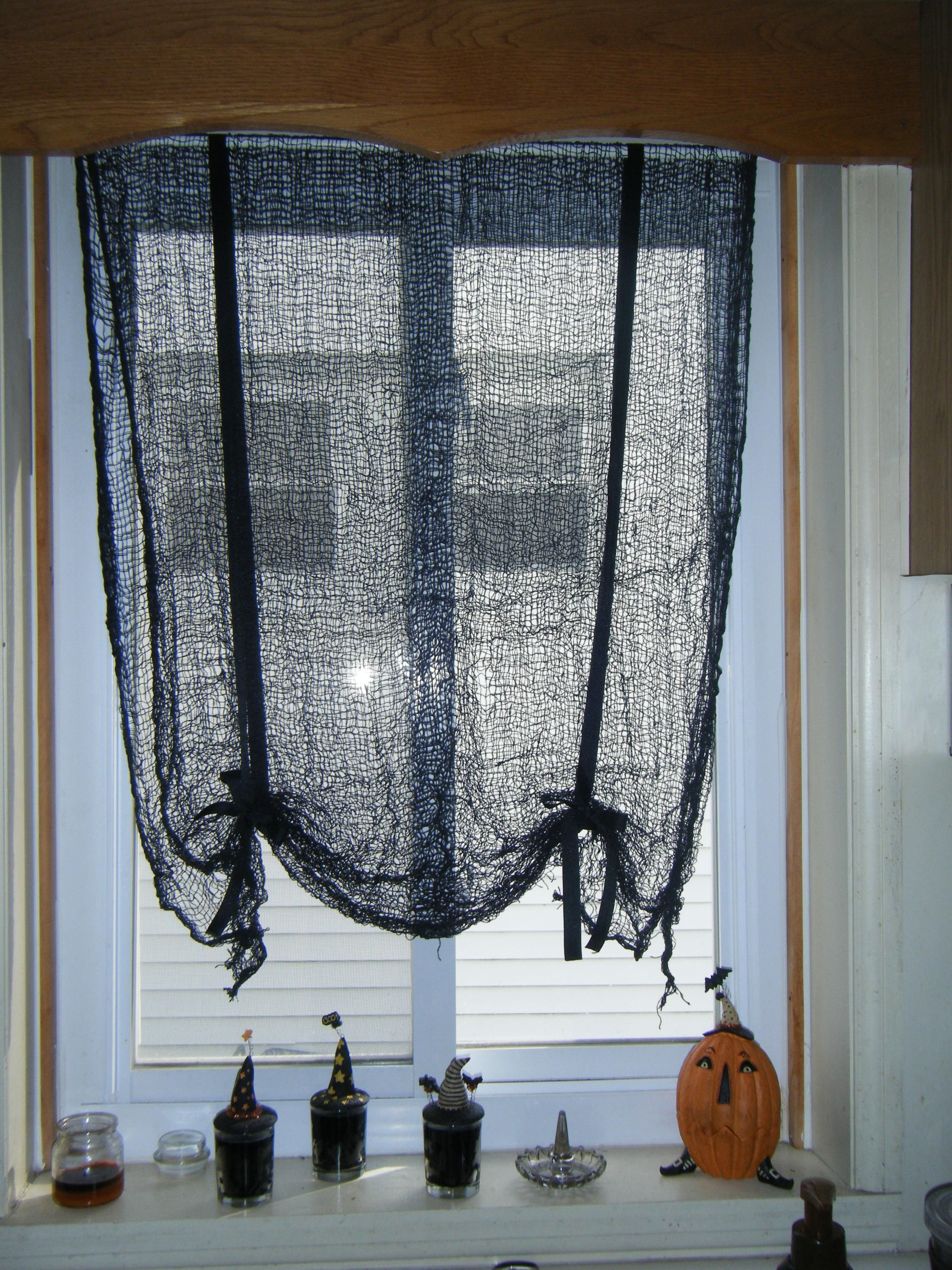 Do-it-yourself curtains of beads: create a bewitching beauty