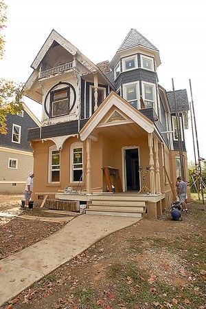 A New Life Awaits Pair Of Barber Homes Historic Homes Victorian Homes Home