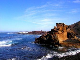 Spirituel rejse til de 300 kraftsteders ø, vulkanøen Lanzarote | 2. - 9. maj 2014 - Munonne - En dag på et af de mange kraftsteder på Lanzarote, er som 100 dage i meditation. Meditation på naturens kraftsteder har altid været en katalysator for indre lys. ♥