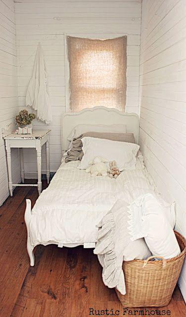 Rustic Farmhouse Tiny Bedroom Bedroom Layouts Rustic Bedroom Tiny rustic bedroom ideas