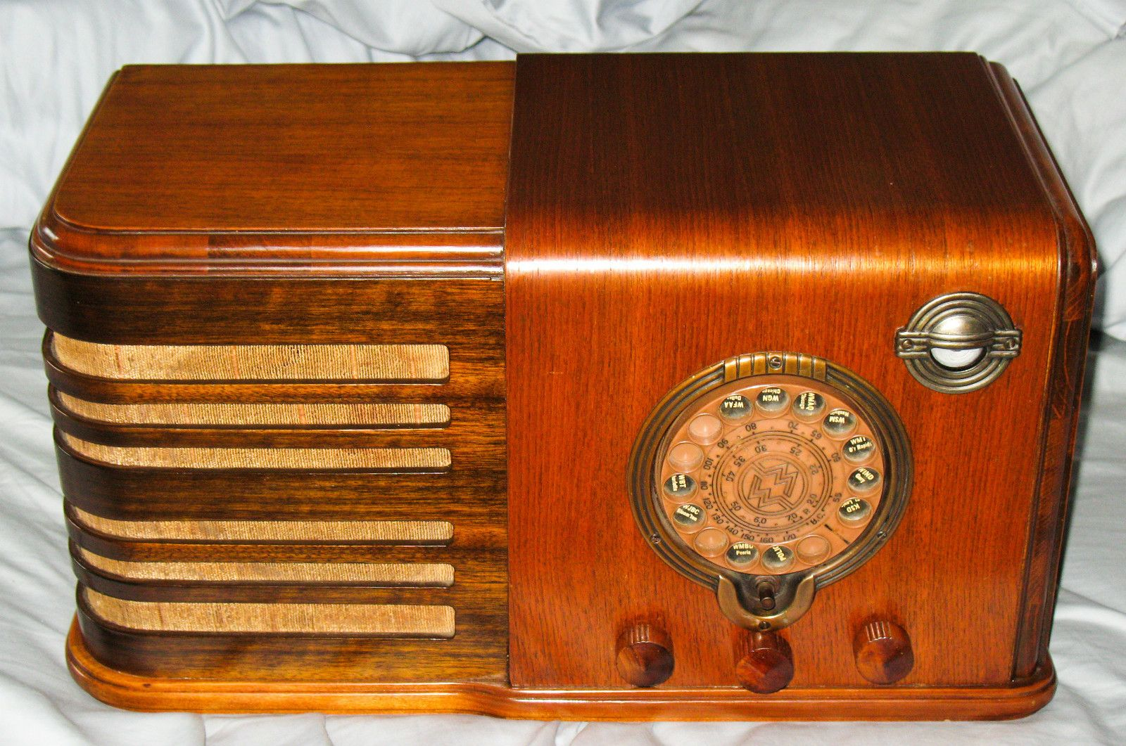 This is an Old Wood Airline Tube Radio, it's from the 1930's