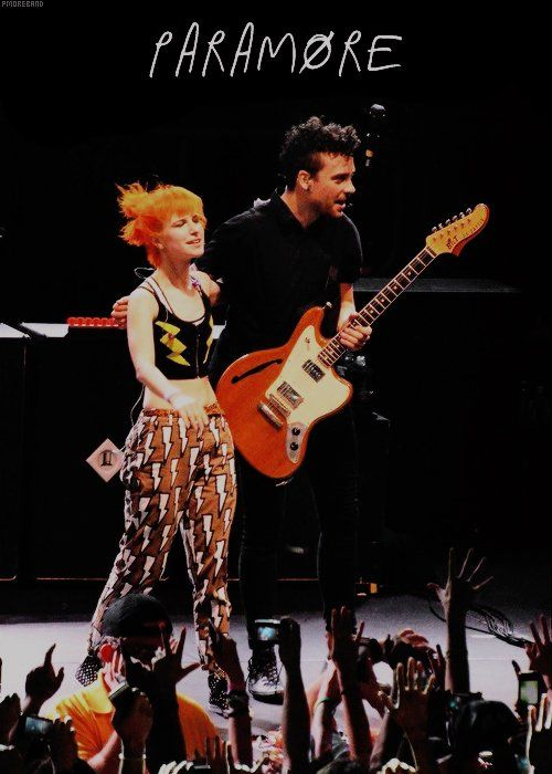 Photos And Videos By Paramore Forever Br P4ramorefbr Paramore Paramore Hayley Williams Elvis In Concert