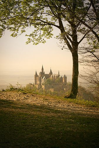 Burg Hohenzollern Germany By Hipydeus Repinned By Www Mybestgermanrecipes Com Hohenzollern Castle Castle Places To Visit