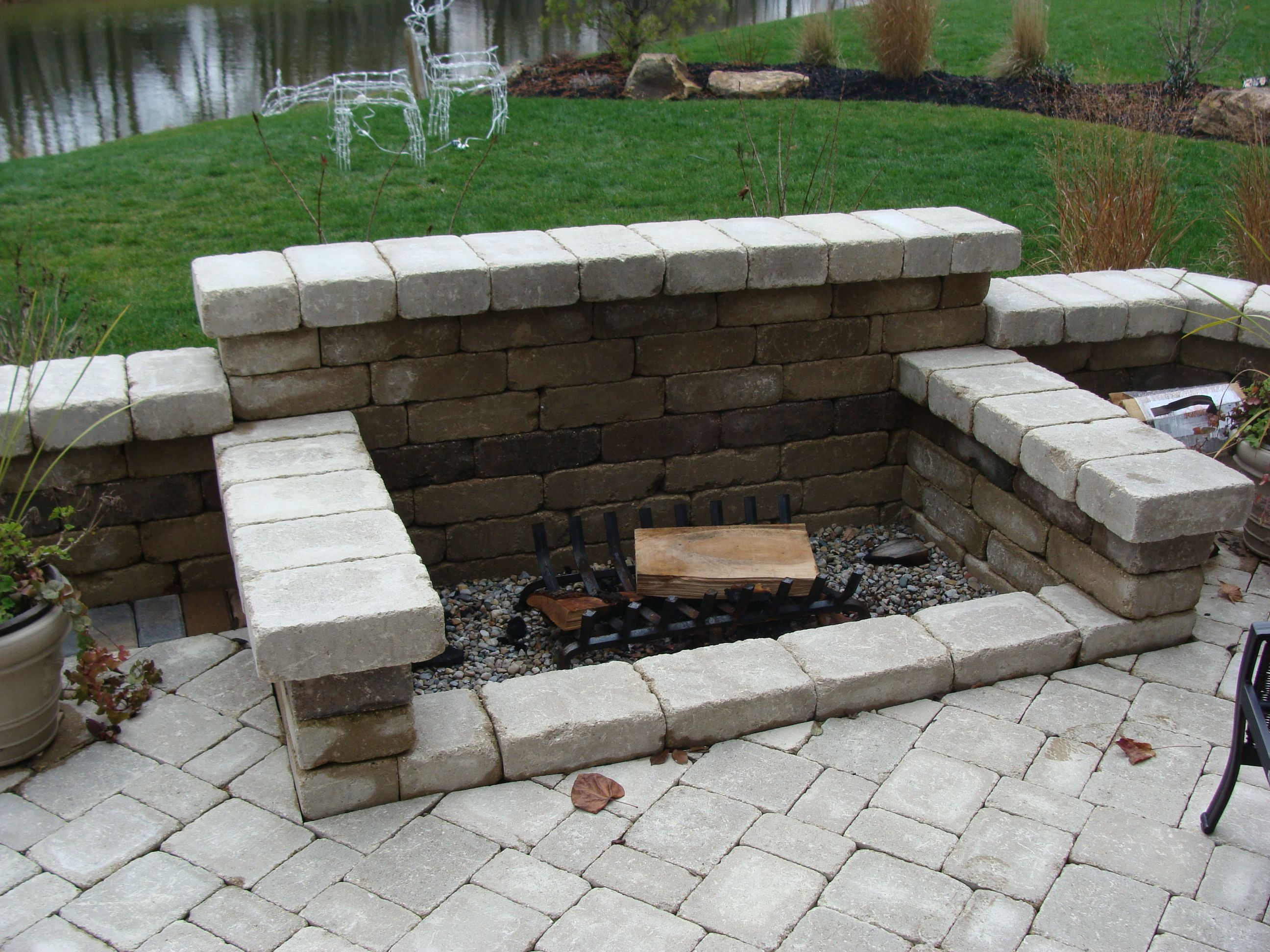This is a great wood burning fire pit option. | Backyard ...