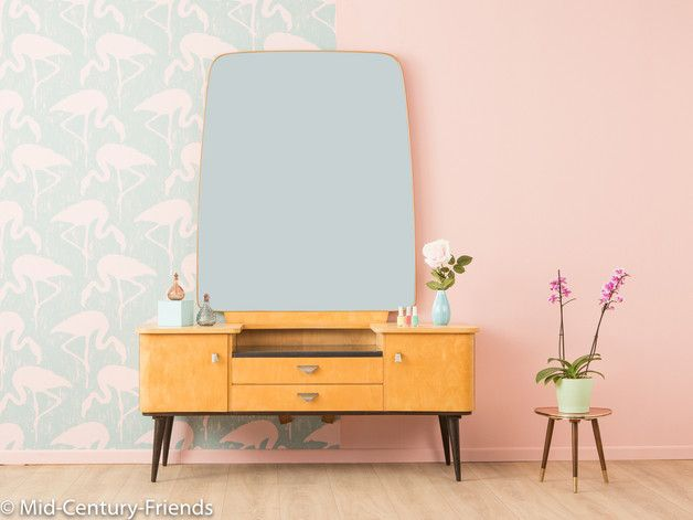 vintage kommoden zauberhafte frisierkommode 50er 60er kommode ein designerst ck von mid. Black Bedroom Furniture Sets. Home Design Ideas
