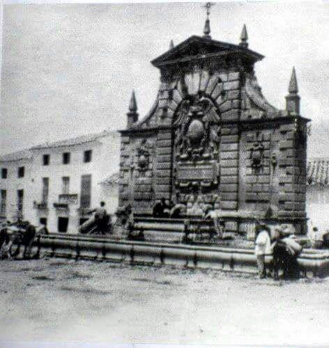 fotografía histórica del pilar