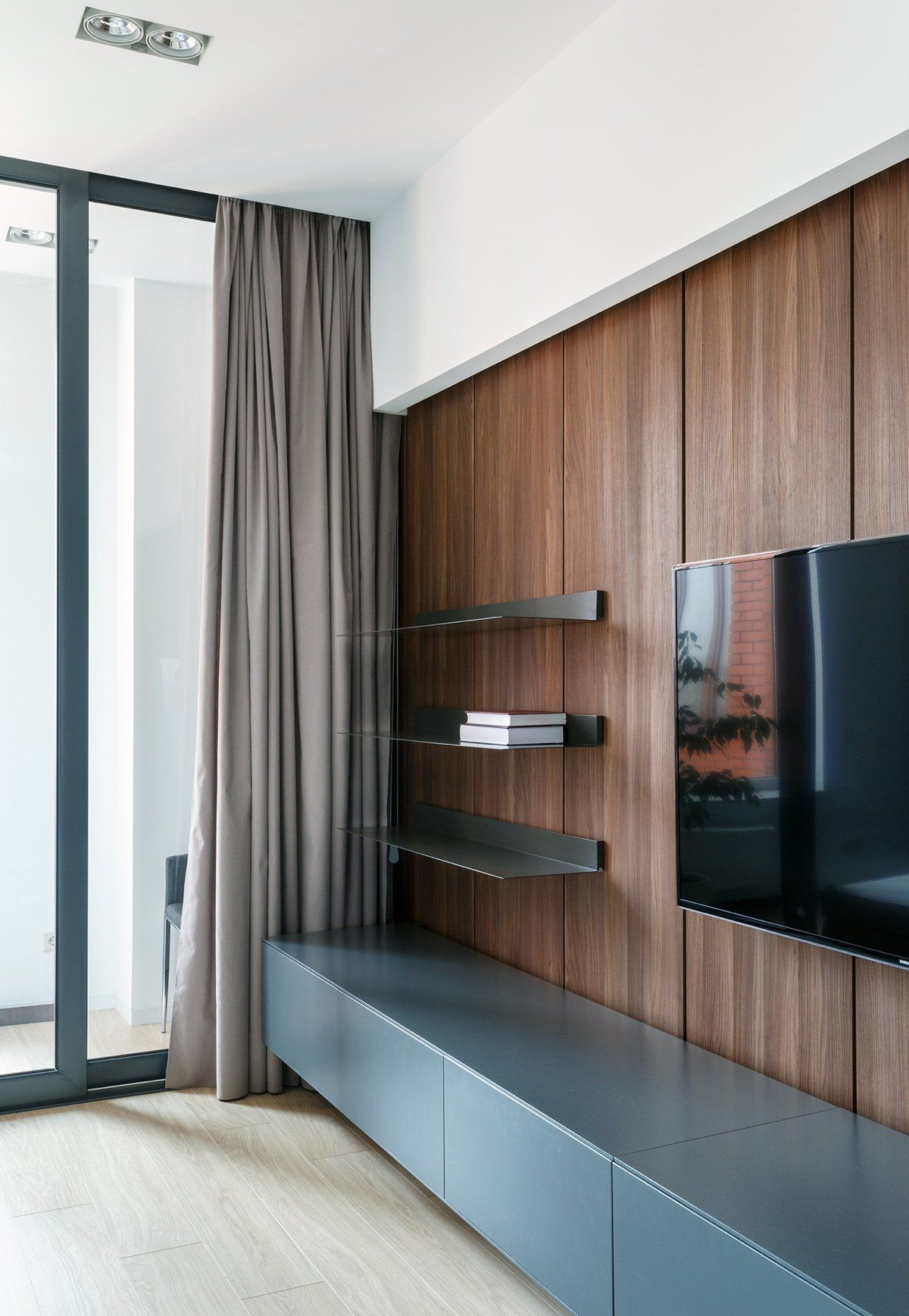 A Pair Of Stylish Apartments That Put Their Extra Rooms To Good