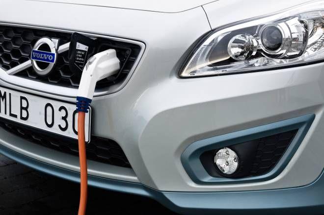Διπλασιάστηκαν οι πωλήσεις ηλεκτρικών οχημάτων το 2012
