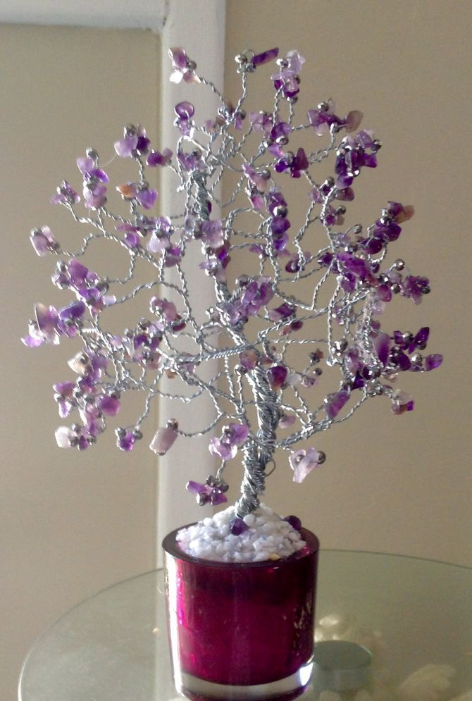 make a beaded wire tree centerpiece it s a jewel thing wire rh pinterest com  wire tree wedding centerpieces