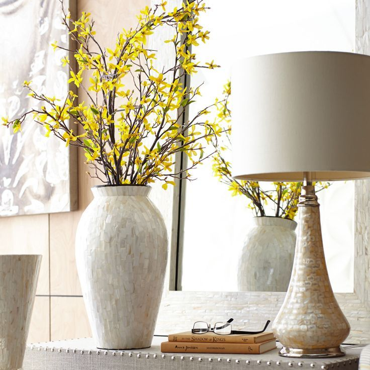 Mother of Pearl Table Vase with Table Lamp Family room