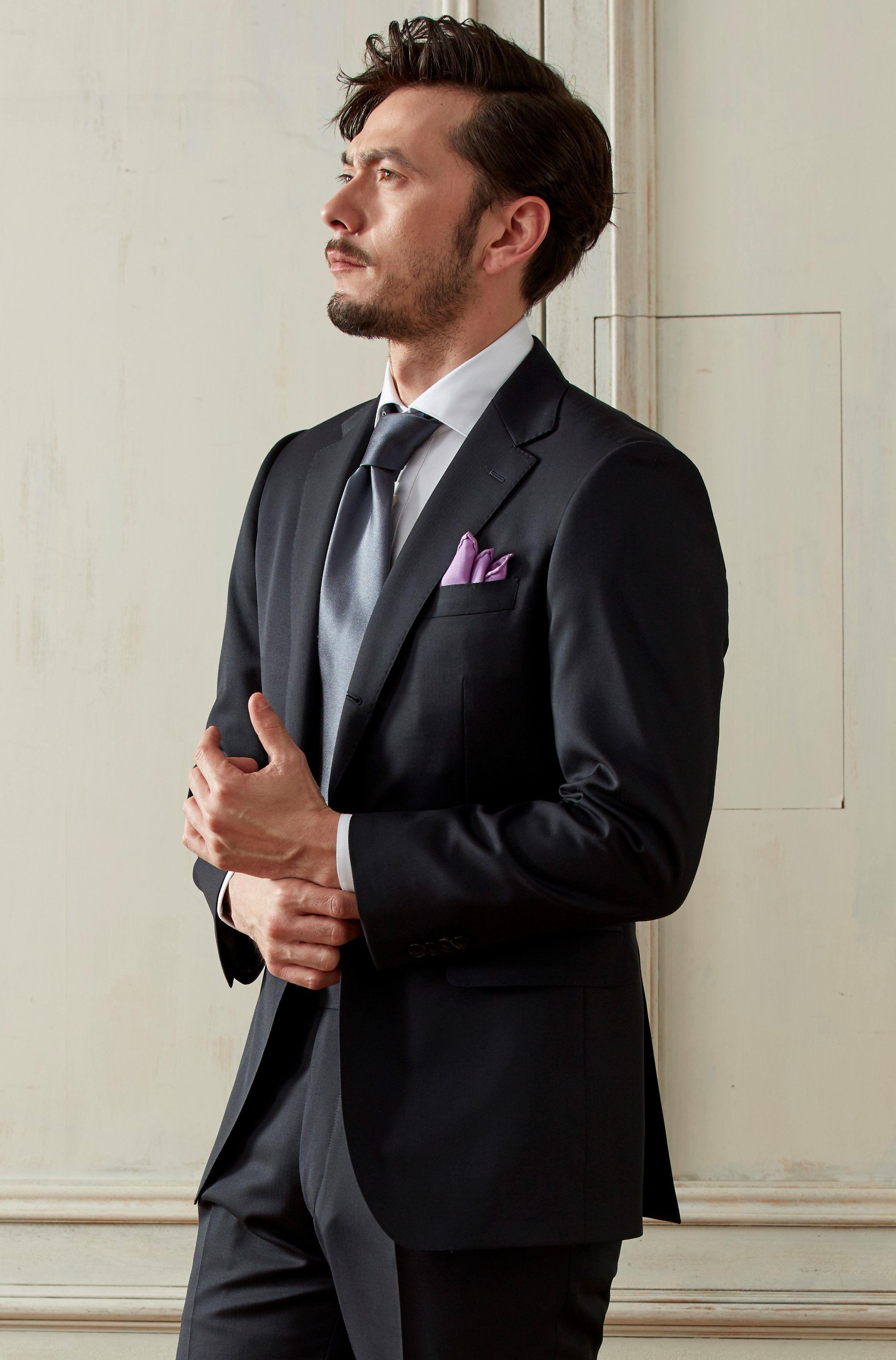 """定番の""""ブラック""""のスーツ。フォーマル用にもオススメ。スーツ生地:カノニコ  #fashion #ファッション #suit #スーツ #グローバルスタイル #globalstyle #オーダースーツ"""