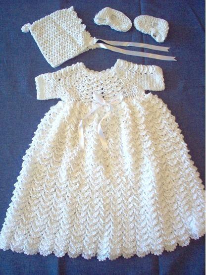 2c0adcbf9 ... de bautizo tejido a mano que incluye ropon, gorrito y zapatitos para    Tejido en dos agujas   Vestidos para bautizo, Vestidos bautizo bebe og  Vestidos ...