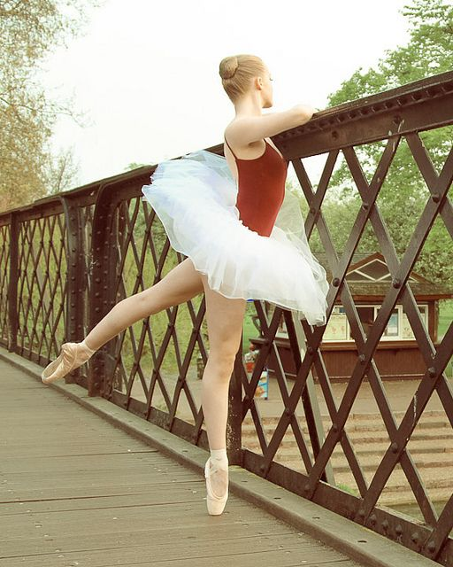 just started pointe and I can't wait to take pointe photos !!