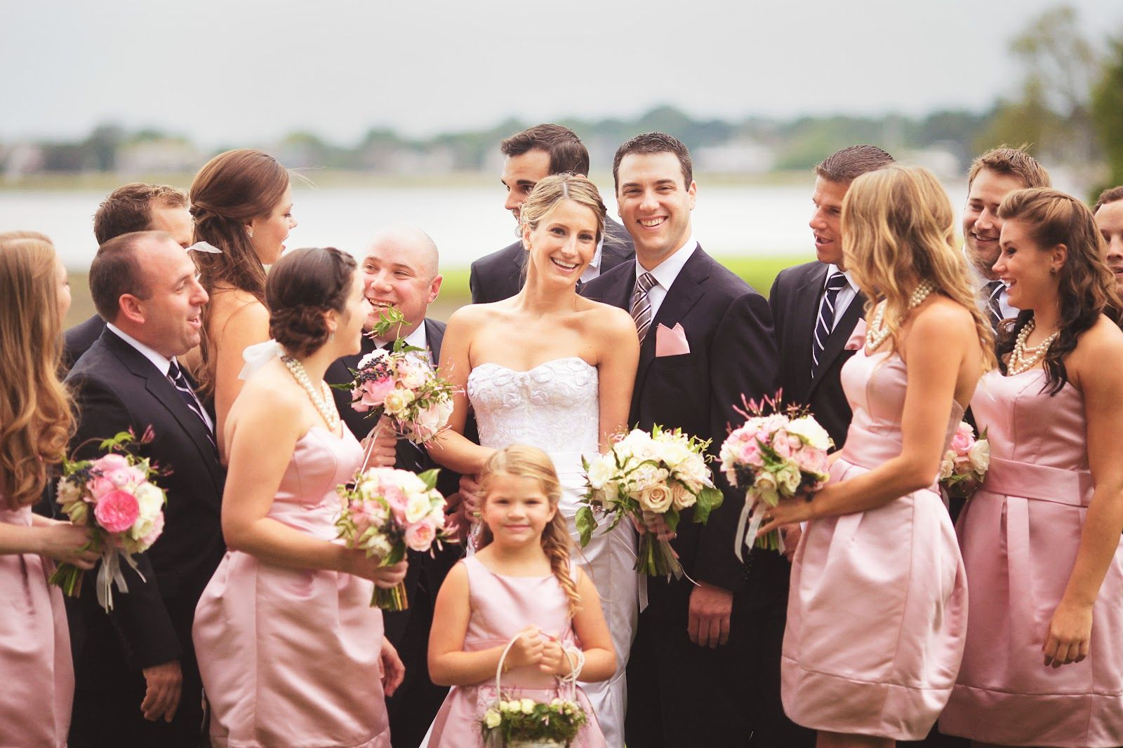 Blush pink, cream and navy color scheme. I love this too! For the ...