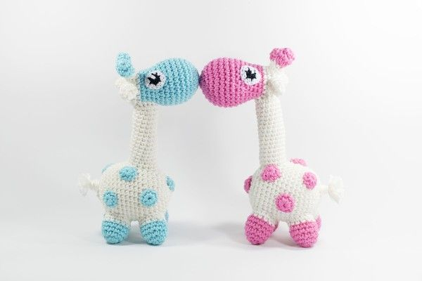 Häkelanleitung Amigurumi Mini-Giraffe https://www.crazypatterns.net/de/items/26058/haekelicious-mini-giraffe