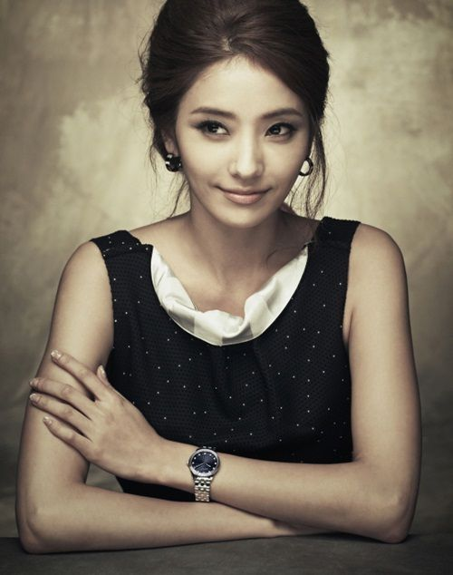Korean Celebs Street Fashion Trends Review: Han Chae Young Cha Seung Won Emporio Armani Watch Ad