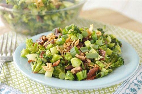 St. Patrick's Day Crunchy Broccoli Salad