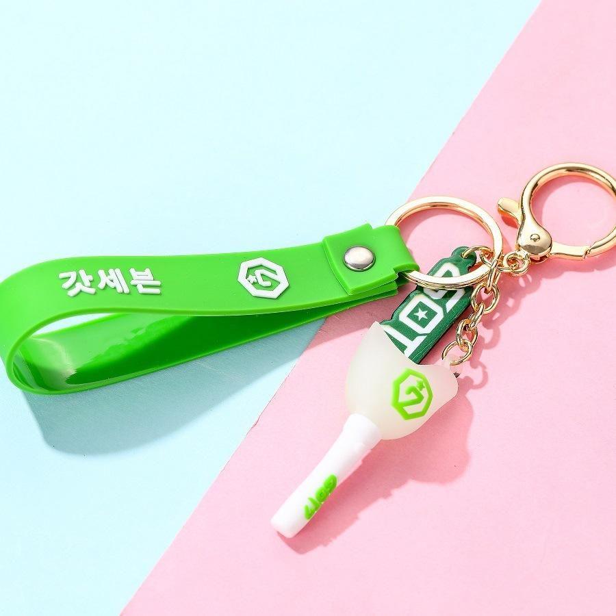 got7 keychain by BLACKPINK BTS 💝💖🌈🍉🍩🍫🍓🍍🍭 TAENNIE 💝JIROSE 💗 LIZKOOK 💜JINSOO 💛
