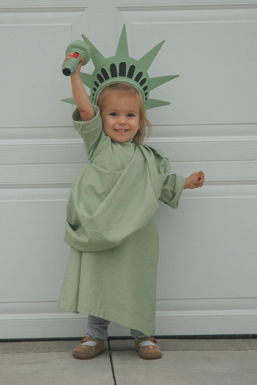 Halloween P P P Poker Face P P Poker Faces Mini Tutorial For Meat Fabric Diy Statue Of Liberty Costume Halloween Costumes For Kids Kids Costumes