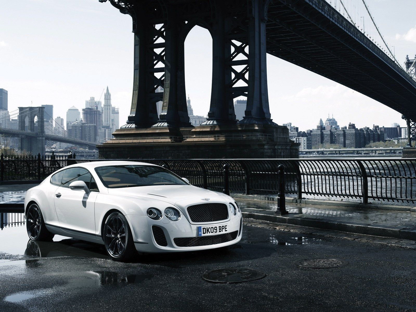Category Bentley >> Bentley Continental Supersports Backgrounds For Widescreen