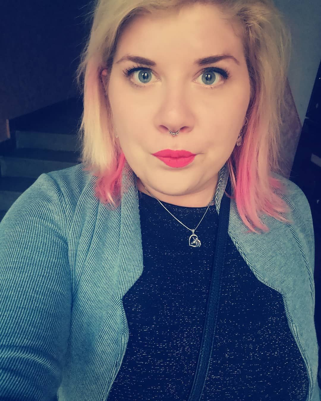 #summer #work #czechrepublic #czech #ostrava #stefkovicfoto #ok #saturday #nikafoto #blonde #blondhair #pinkhair #septum #septumpiercing