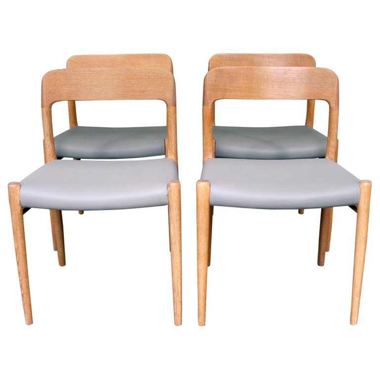 Set Of Four Oak Model 75 Dining Chairs By Niels O Moller For J L Moller For Sale Dining Chairs Chair Antique Chairs