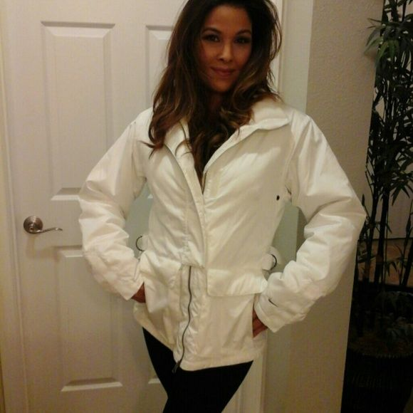 Nike Ski Jacket New Without Tags. Snow White In Color