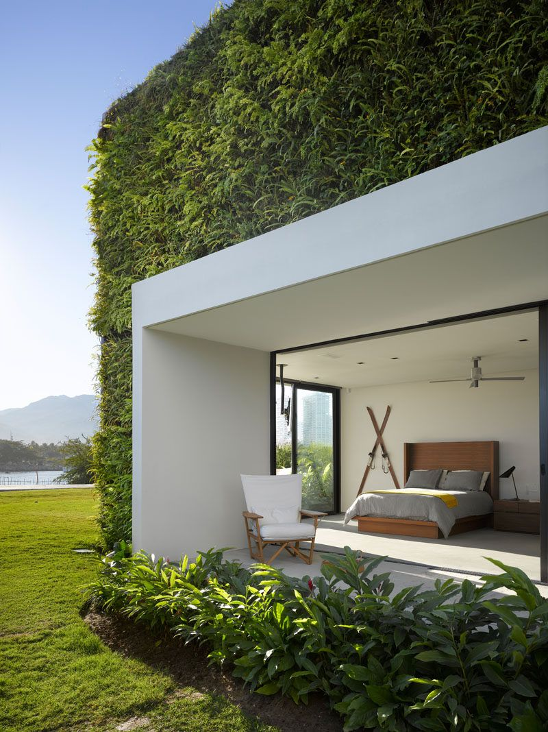 The Interiors Of This Modern Mexican House Open To Expansive Outdoor ...