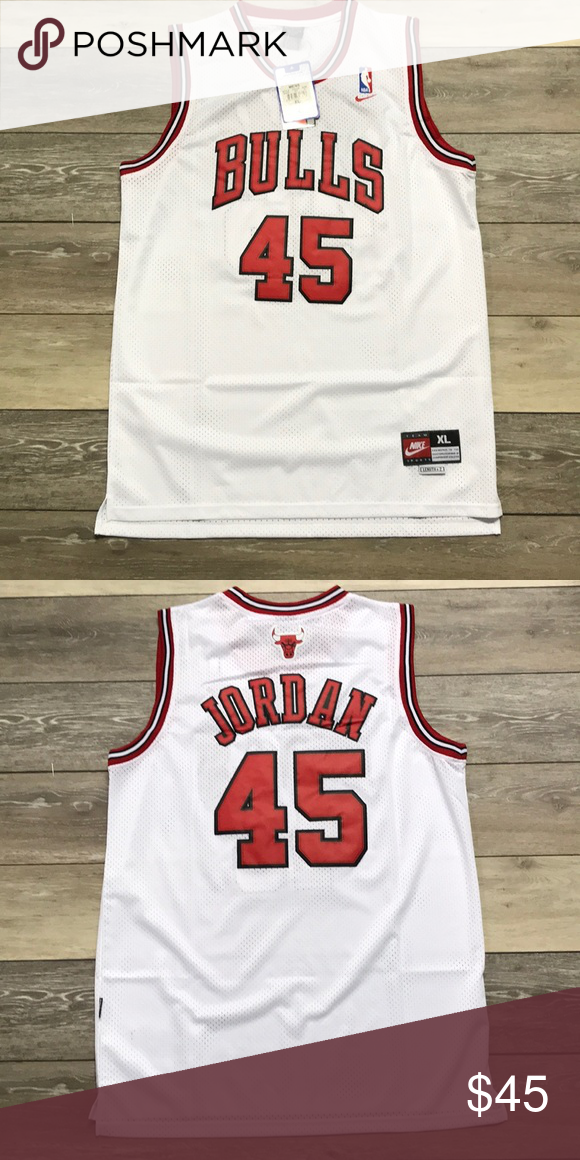 low priced ac5d5 ff148 NWT Michael Jordan Chicago Bulls Nike Jersey XL Retro Nike ...