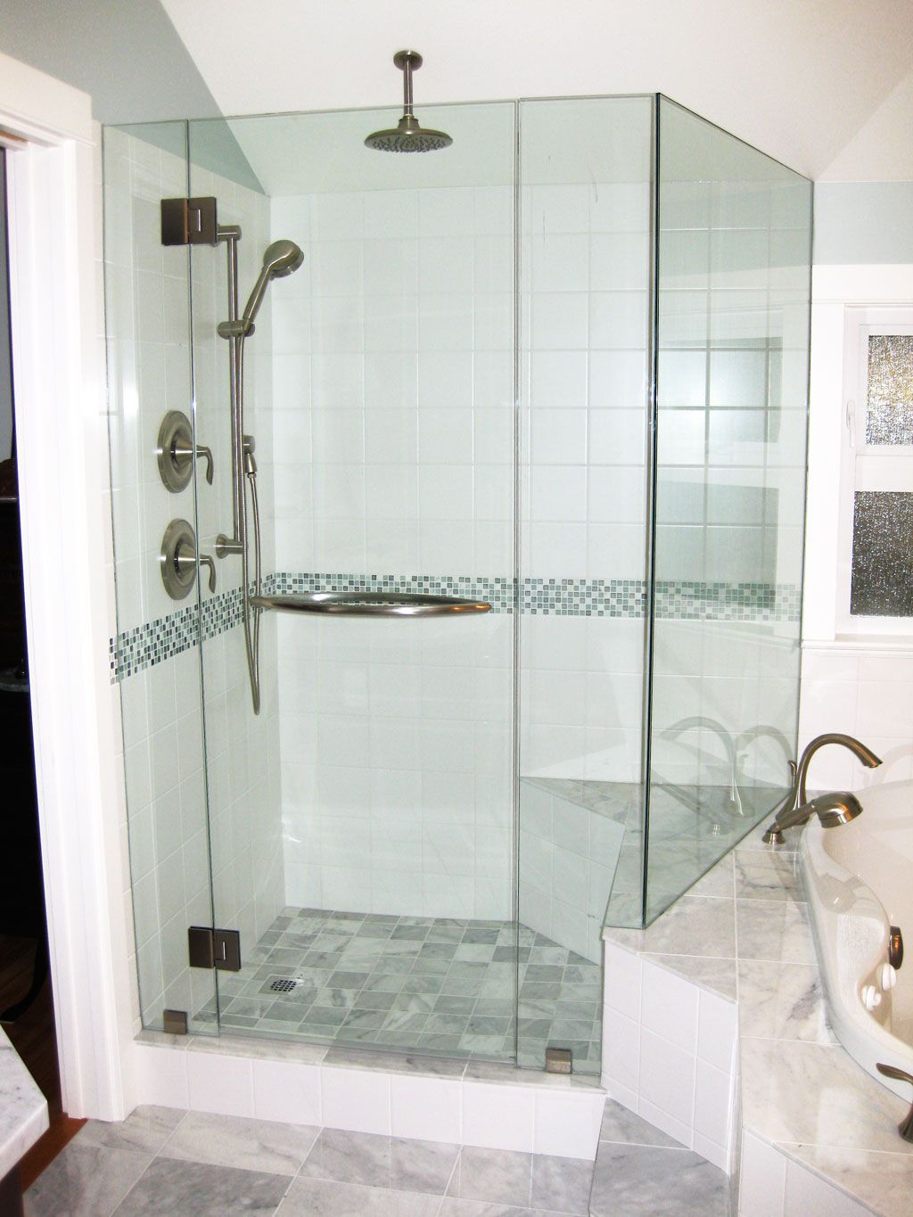 Picture gallery of our custom glass showers bathrooms in for Bathroom ideas victoria bc