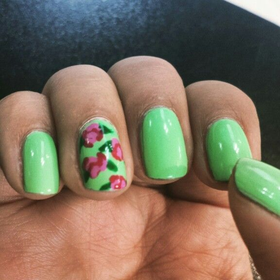 Uñas verdes con rosas | My nails | Pinterest | Uñas verdes, Verde y ...