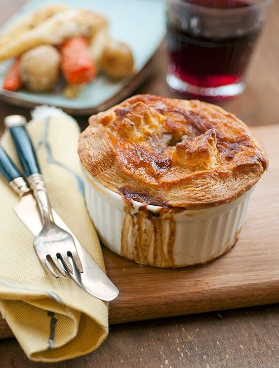 Steak and mushroom pot pies / This beef pot pie takes ...
