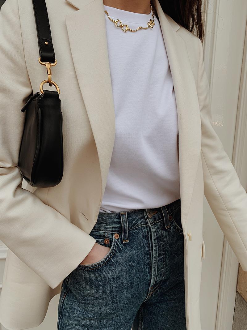 Minimal White — MODEDAMOUR