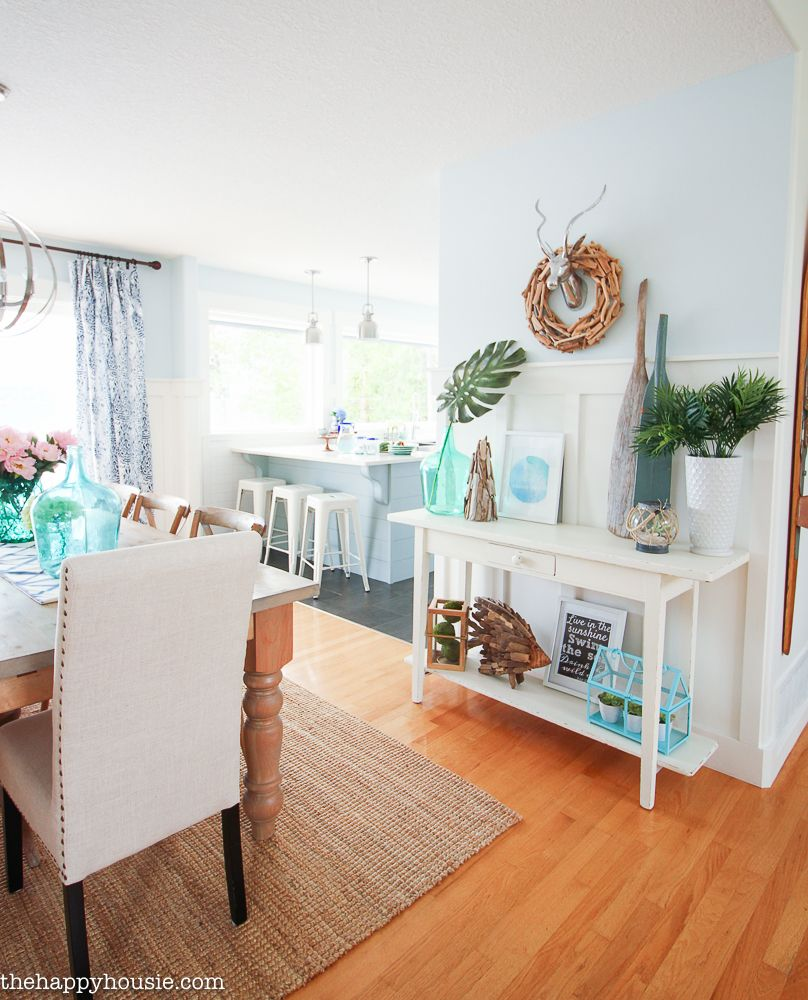 Coastal Cottage Farmhouse Style Wall Treatment Ideas That Arent Shiplap Lake DecorLiving Room